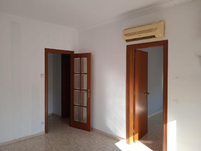 Imagen 1 Inmueble 252000 - Ático en venta en Cornellà De Llobregat / Próximo a La avenida del Parque (Cornellà)