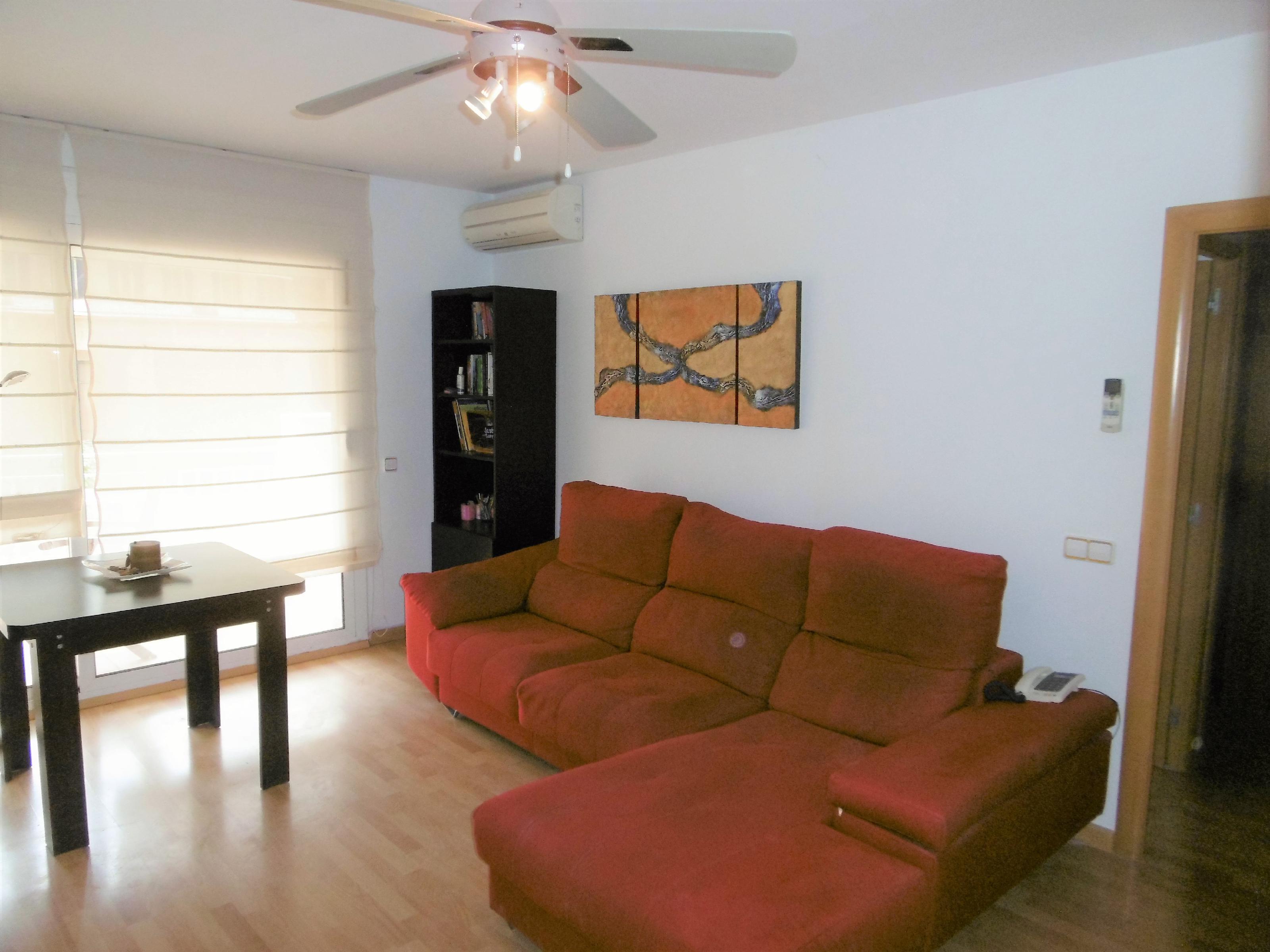 Imagen 1 Piso en venta en Molins De Rei / Junto al nuevo barrio de las Guardioles.