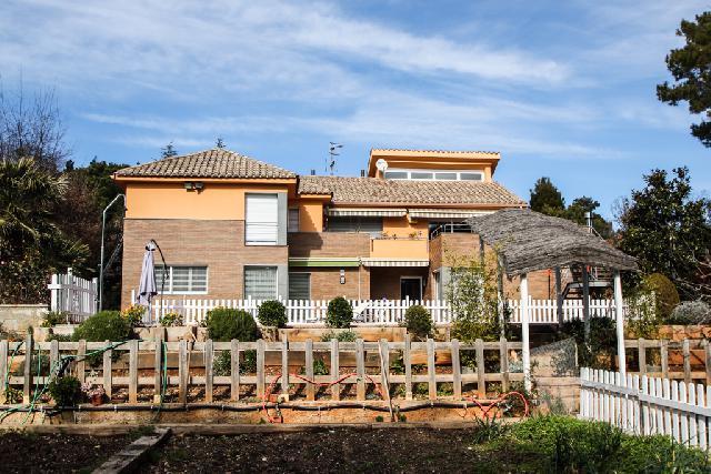 Imagen 1 Inmueble 199535 - Casa Aislada en venta en Matadepera / Els Rourets de Matadepera