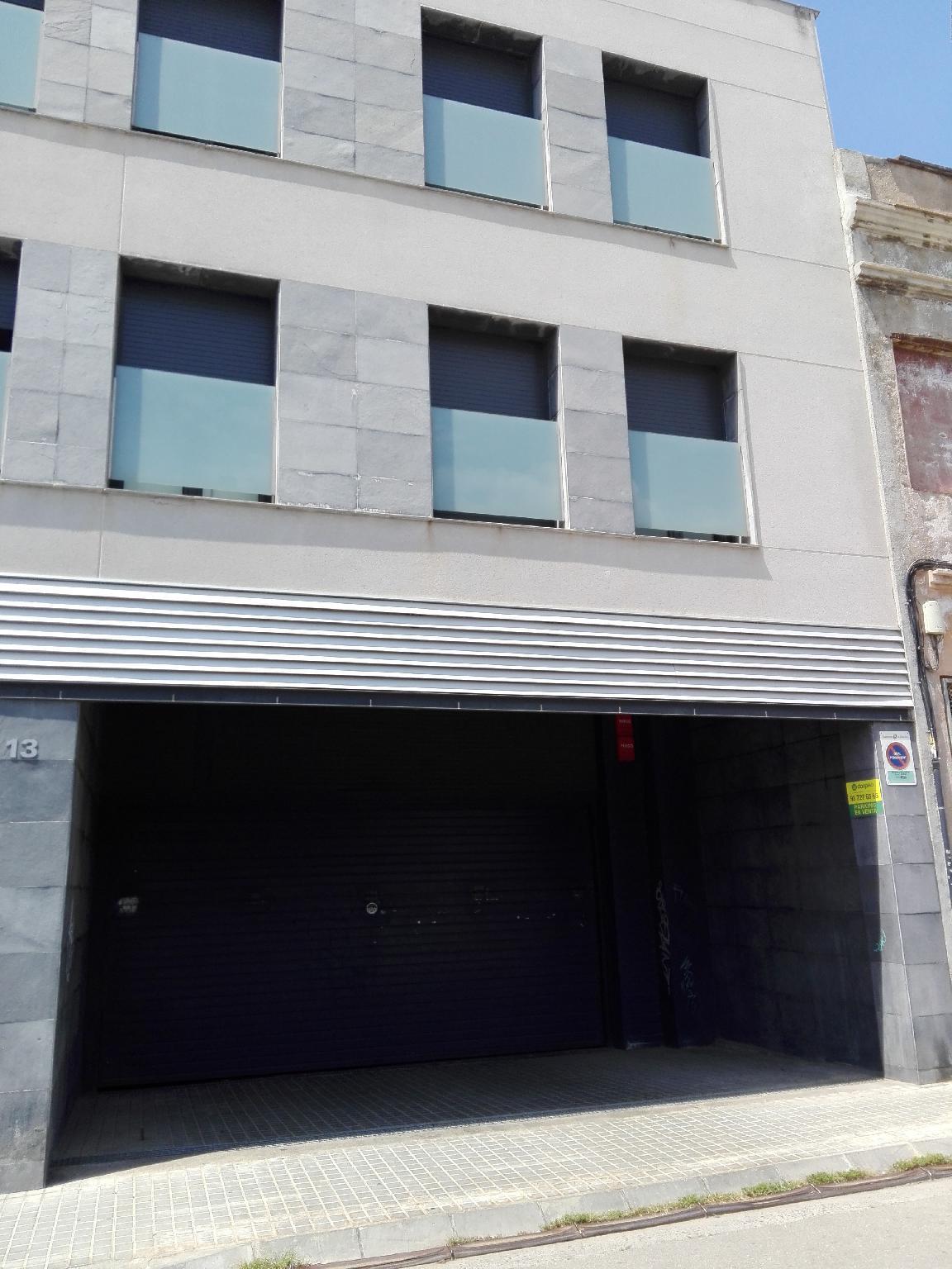 208631 - Plazas parquing barrio Hostafrancs