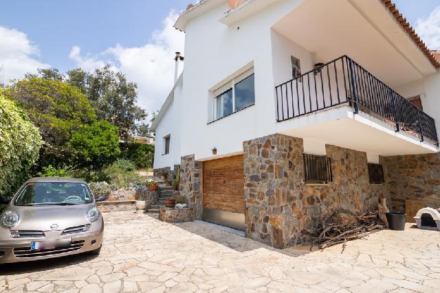 Imagen 1 Inmueble 226037 - Casa en venta en Castellar Del Vallès / Urbanización Can Font