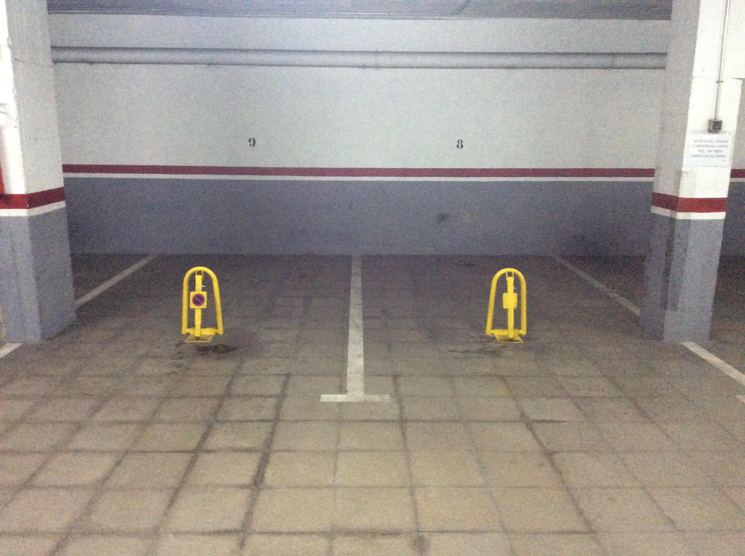 Imagen 1 Parking Coche en venta en Mollet Del Vallès / Gaietà Vinzia entre via de Ronda y Avda. jaume I