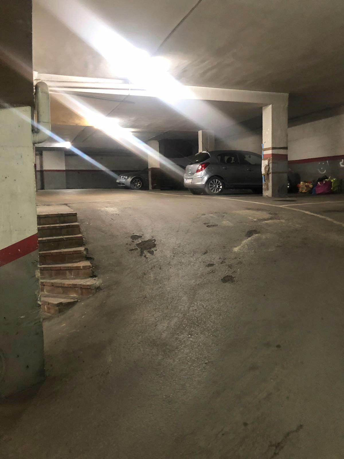 Imagen 1 Parking Coche en alquiler en Mollet Del Vallès / Parking en Jaume I, zona centro de Mollet.