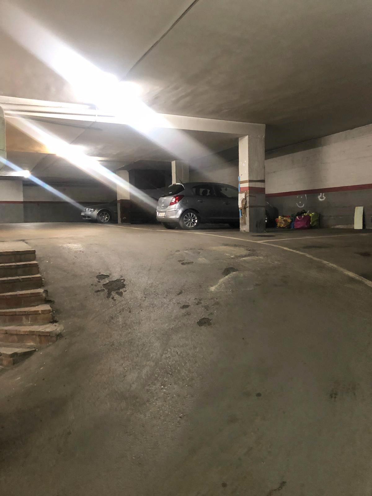 Imagen 3 Parking Coche en alquiler en Mollet Del Vallès / Parking en Jaume I, zona centro de Mollet.