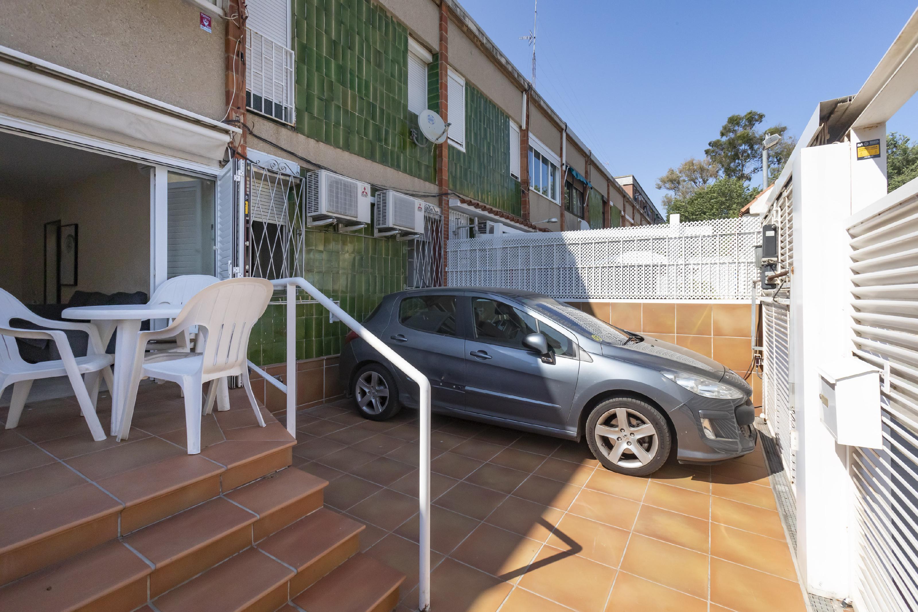 Imagen 1 Casa en venta en Barcelona / Al lado de Rambla Prim.
