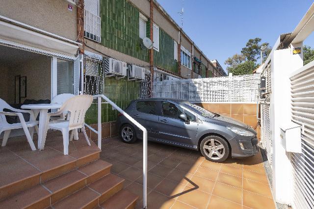 Imagen 1 Inmueble 251571 - Casa en venta en Barcelona / Al lado de Rambla Prim.