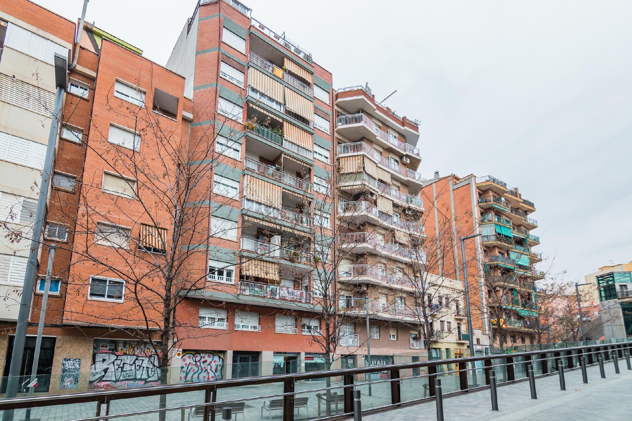 201995 - Junto calle Sugranyes
