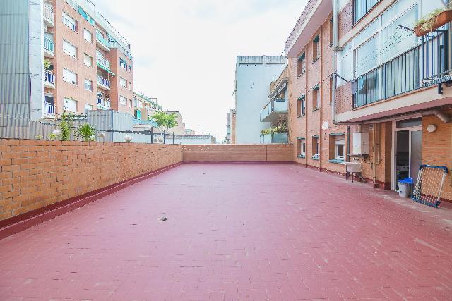 Imagen 1 Inmueble 239506 - Piso en venta en Barcelona / Jto. Teodor Llorente