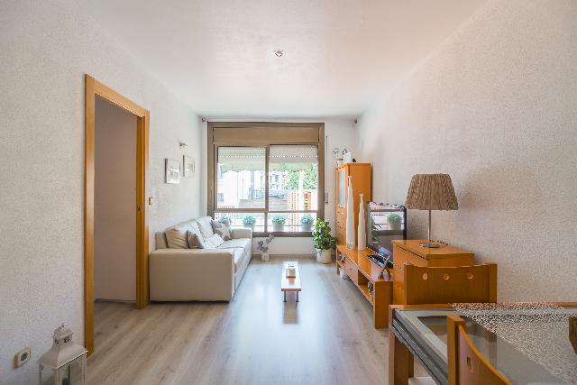 Imagen 1 Inmueble 239923 - Piso en venta en Barcelona / Plaza Josep Mª Folch y Torres