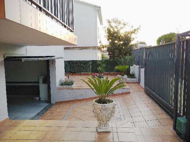 Imagen 1 Inmueble 215341 - Casa en venta en Barberà Del Vallès / Can Gorgs, cerca de Parc Can Serra.
