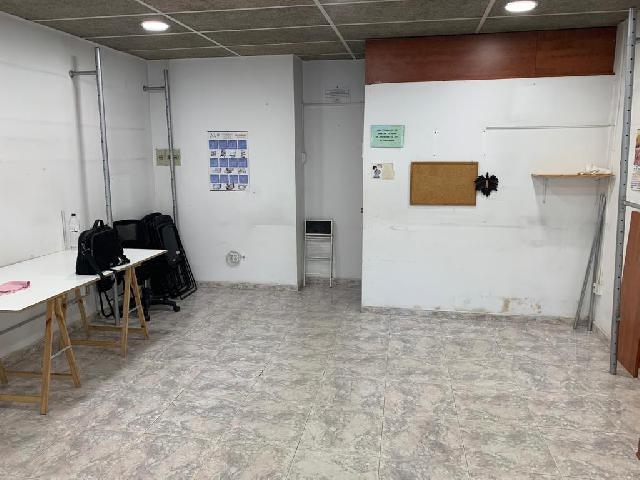 Imagen 1 Inmueble 232713 - Local Comercial en venta en Barberà Del Vallès / Frente a policia local.