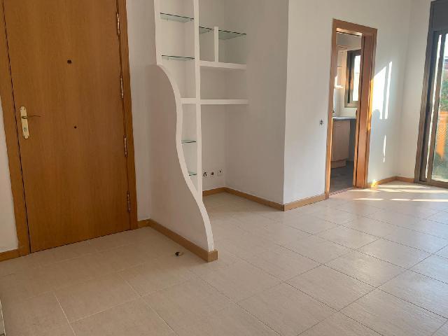 Imagen 1 Inmueble 239471 - Piso en venta en Barberà Del Vallès / Zona de La Romanica