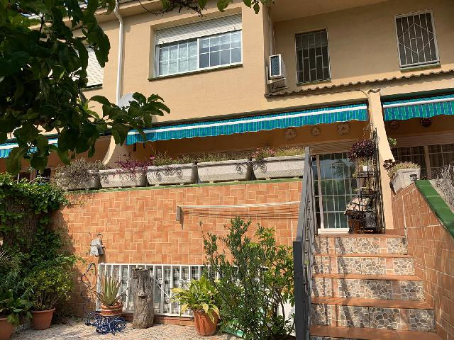 Imagen 1 Inmueble 239591 - Casa en venta en Barberà Del Vallès / A 2 minutos del centro