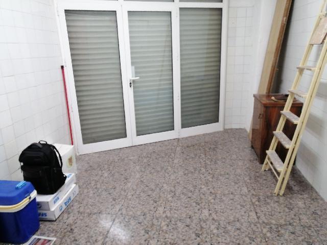 Imagen 1 Inmueble 233266 - Local Comercial en alquiler en Esplugues De Llobregat / Carrer 8 De Març con Rovellats, ju...