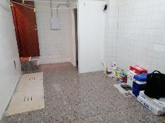 233266 - Local Comercial en alquiler en Esplugues De Llobregat / Carrer 8 De Març con Rovellats, junto ...