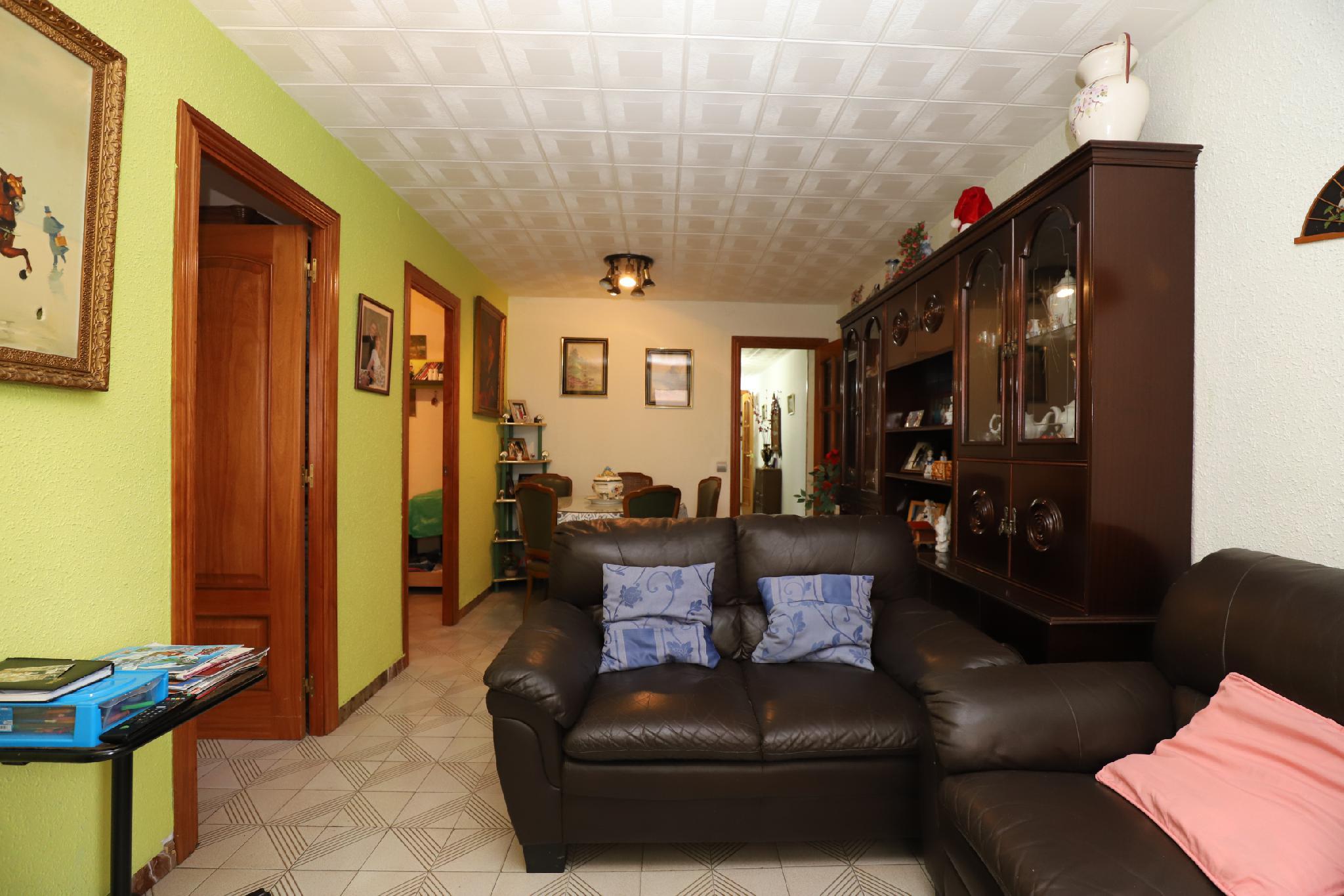234809 - Junto plaça Catalunya e institut public Severo Ochoa
