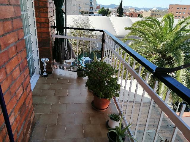 Imagen 1 Inmueble 237952 - Piso en venta en Esplugues De Llobregat / Junto mercado municipal y rambla del Carmen