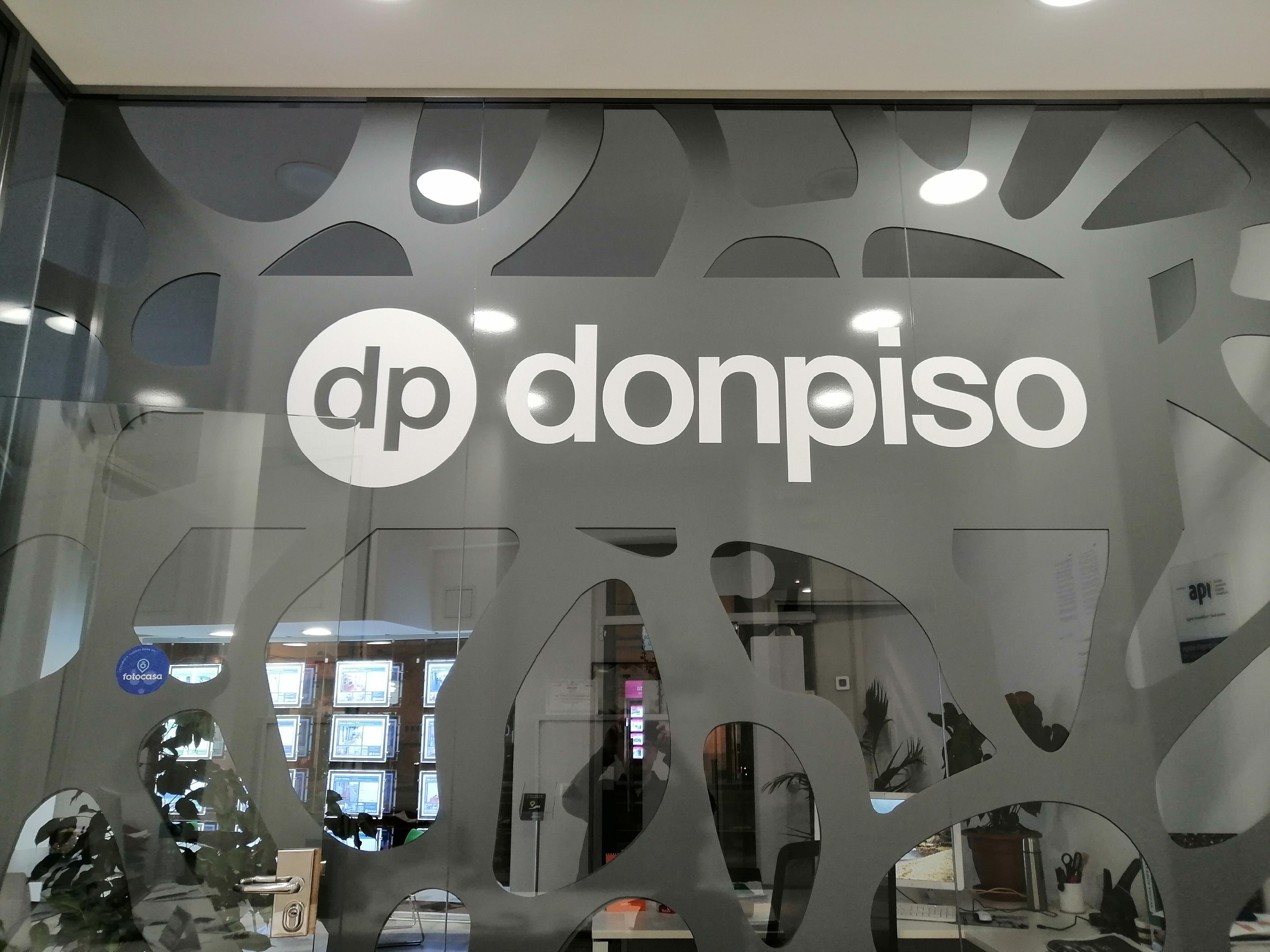 Imagen 3 Local Comercial en venta en Esplugues De Llobregat / Junto ayuntamiento