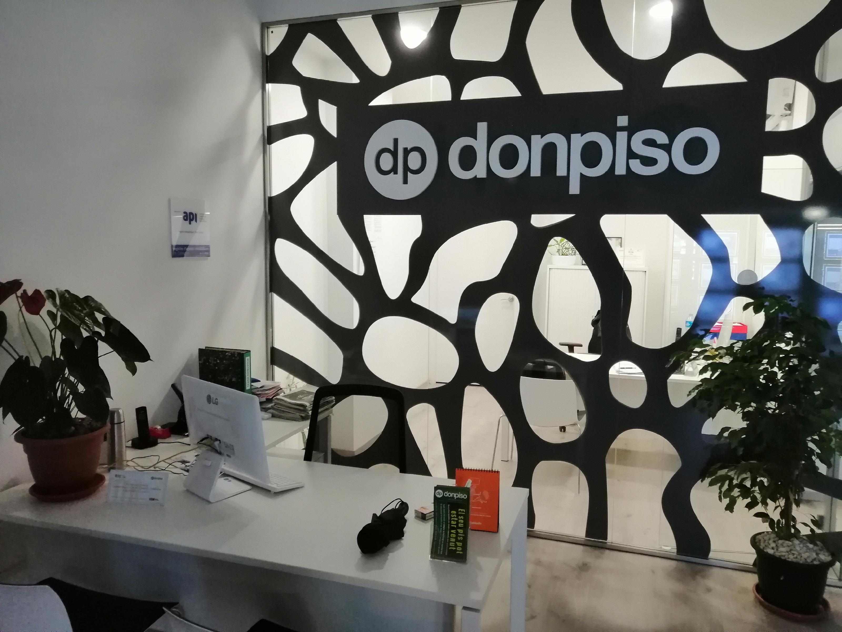 Imagen 4 Local Comercial en venta en Esplugues De Llobregat / Junto ayuntamiento