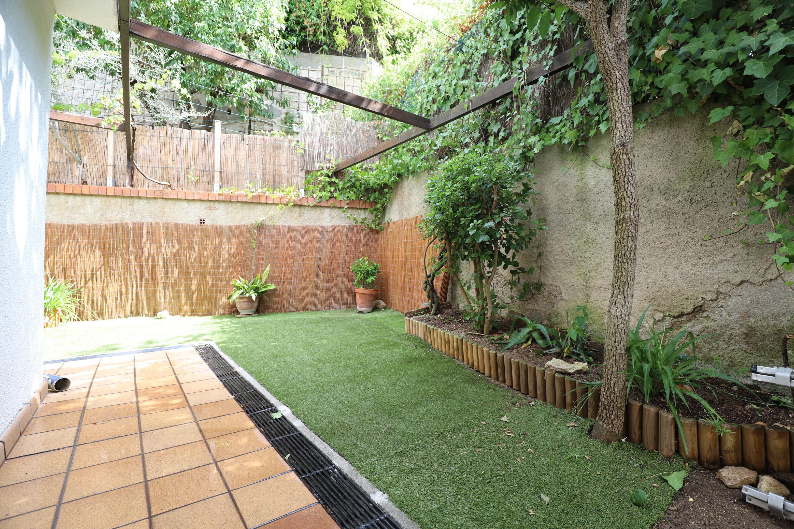 Imagen 1 Planta Baja en alquiler en Esplugues De Llobregat / Cerca del colegio Americano