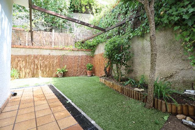 Imagen 1 Inmueble 241700 - Planta Baja en alquiler en Esplugues De Llobregat / Cerca del colegio Americano