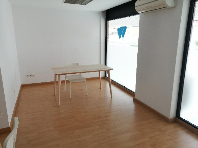 Imagen 1 Inmueble 249409 - Local Comercial en alquiler en Esplugues De Llobregat / Junto casal de cultura Robert Brillas