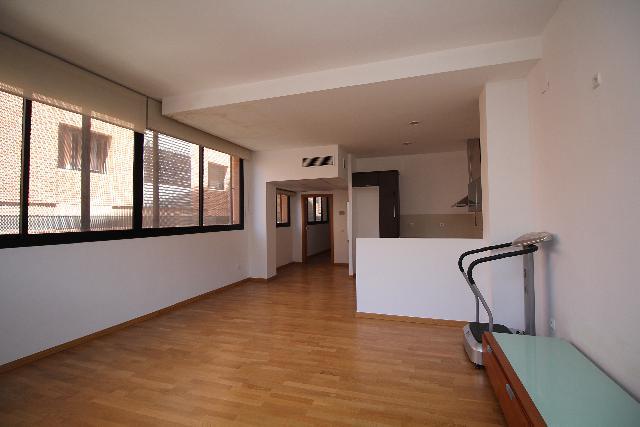 Imagen 1 Inmueble 250431 - Oficina Comercial en venta en Sant Joan Despí / Junto esglesia Santa Maria cerca del Esclat