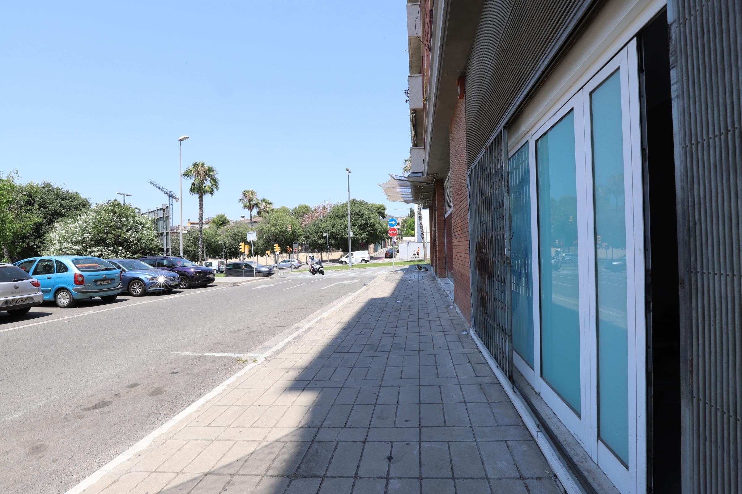 Imagen 4 Local Comercial en alquiler en Sant Just Desvern / Cerca de tienda Hiperasia