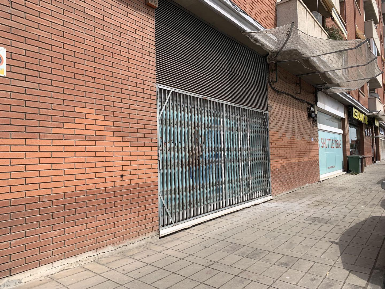 Imagen 1 Local Comercial en alquiler en Sant Just Desvern / Cerca de tienda Hiperasia