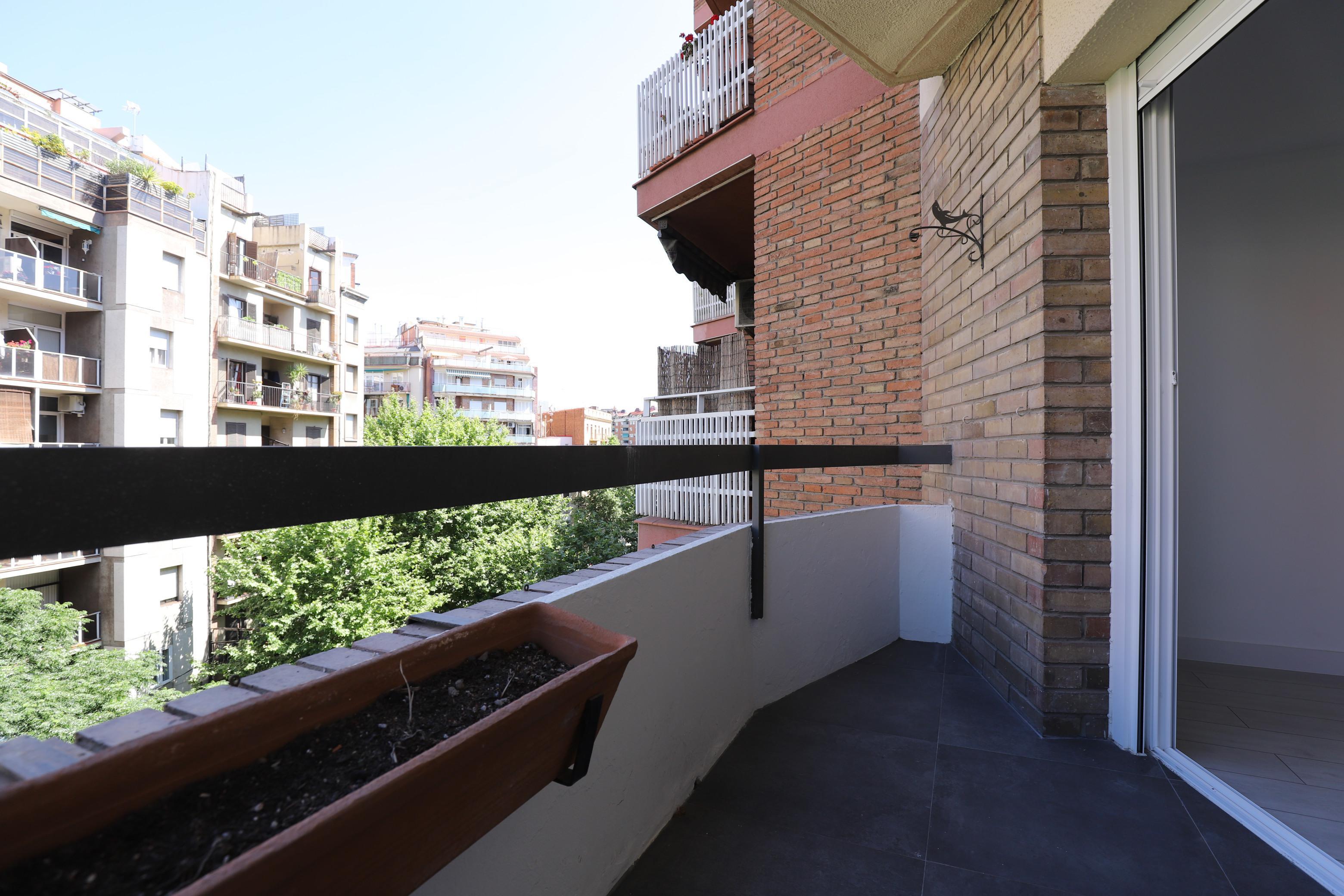 Imagen 2 Piso en alquiler en Barcelona / Cerca Estacion de Sants- Monjuic