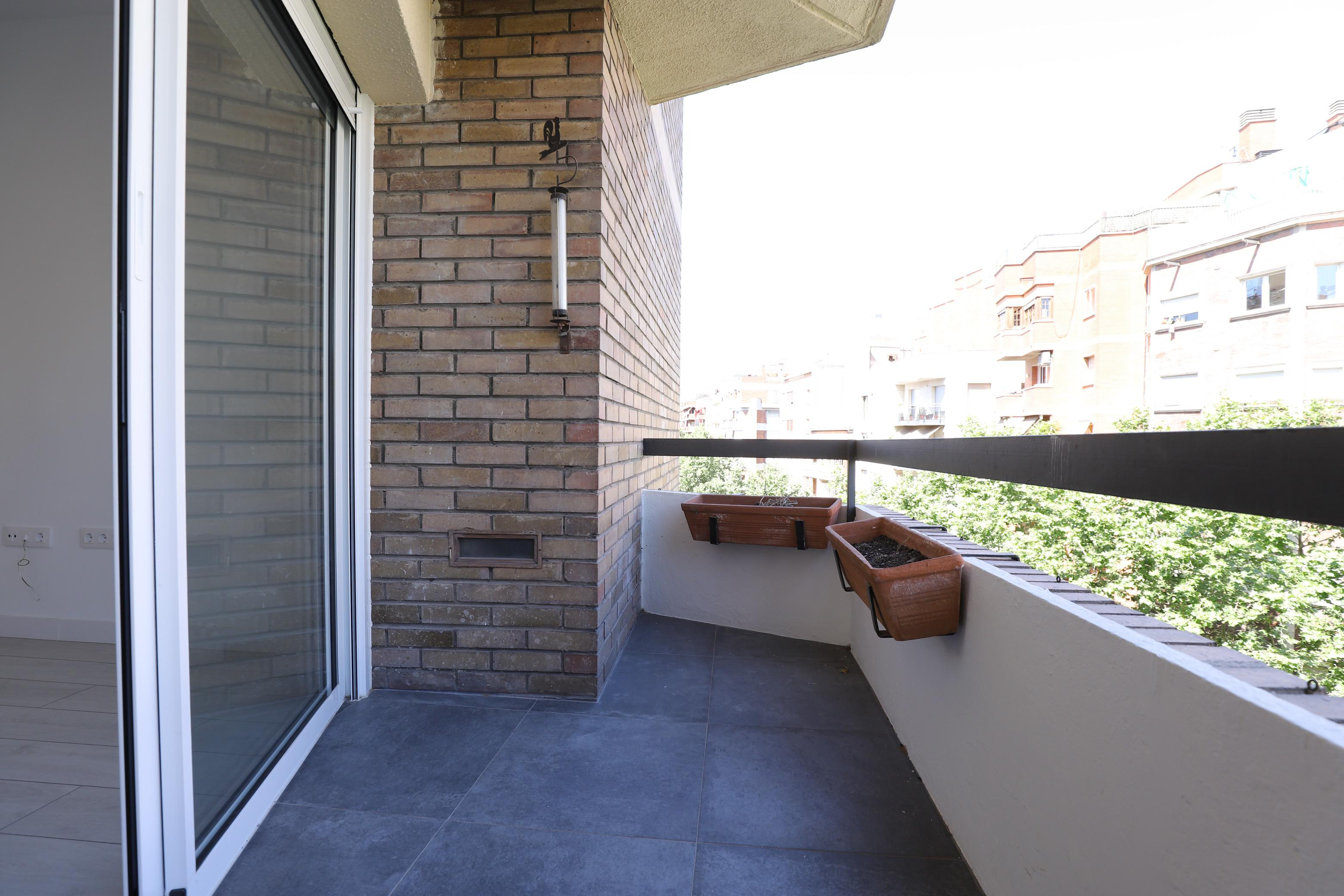 Imagen 1 Piso en alquiler en Barcelona / Cerca Estacion de Sants- Monjuic
