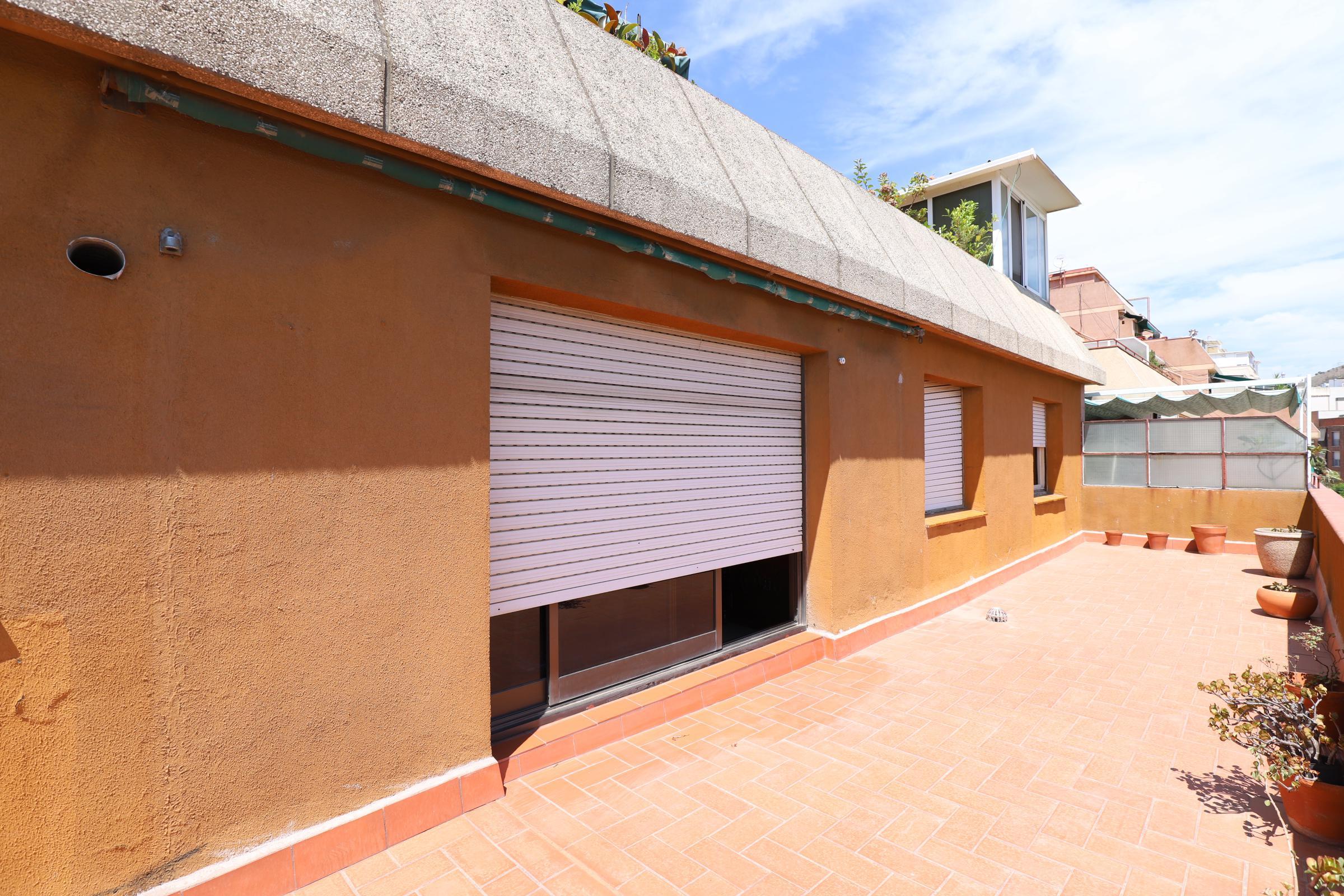 Imagen 3 Ático en venta en Esplugues De Llobregat / Can Clota cerca del Mercadona