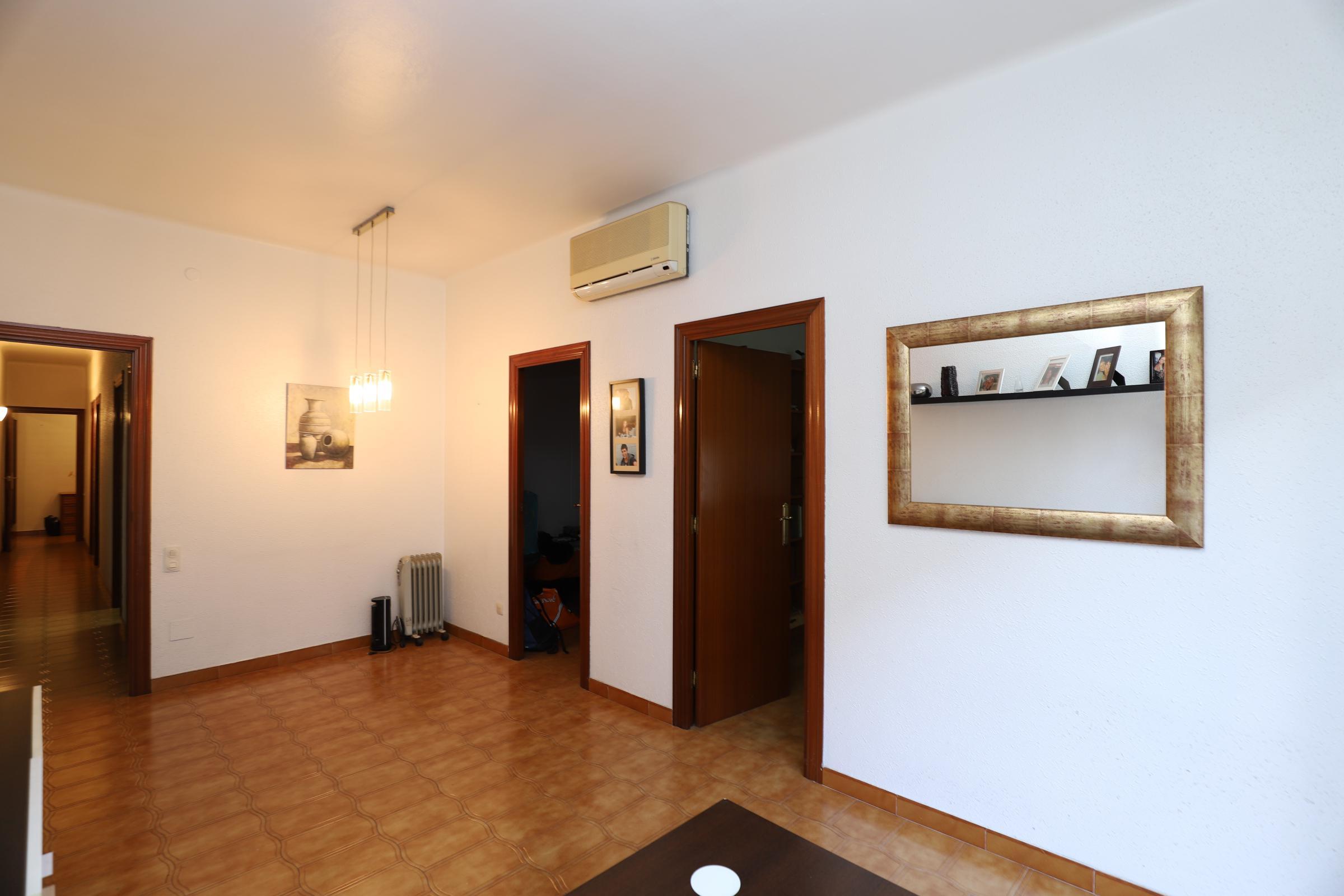 Imagen 4 Piso en venta en Esplugues De Llobregat / Cerca Casal de cultura Robert Brillas