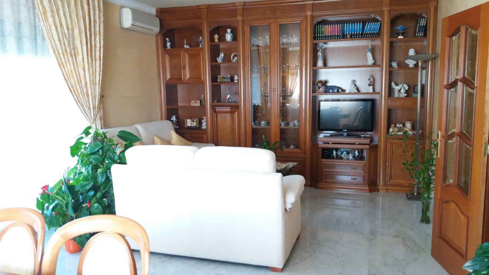 Imagen 3 Casa en venta en Badalona / A cinco minutos Centro Comercial Montigalá