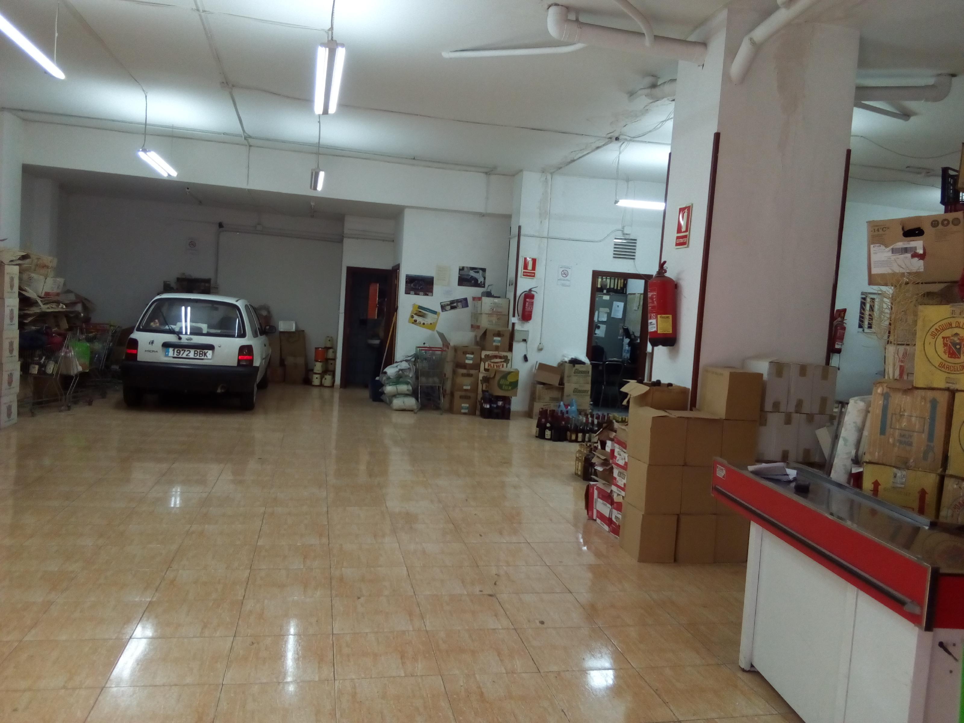 Imagen 2 Local Comercial en venta en Sant Adrià De Besòs / Frente al Caprabo, a 100 mts  ayuntamien...