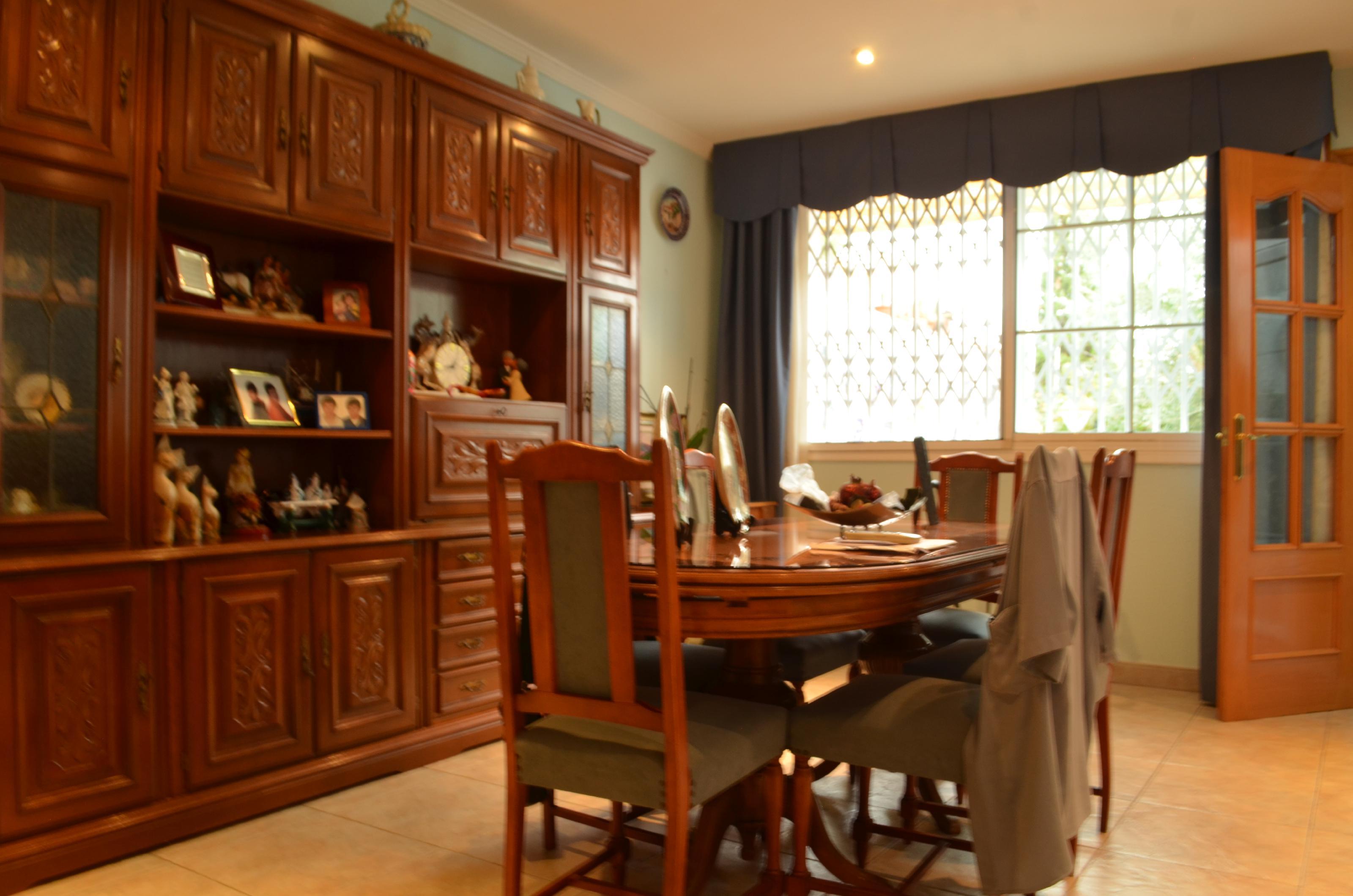 Imagen 3 Casa en venta en Santa Coloma De Gramenet / A 2 minutos del metro L9