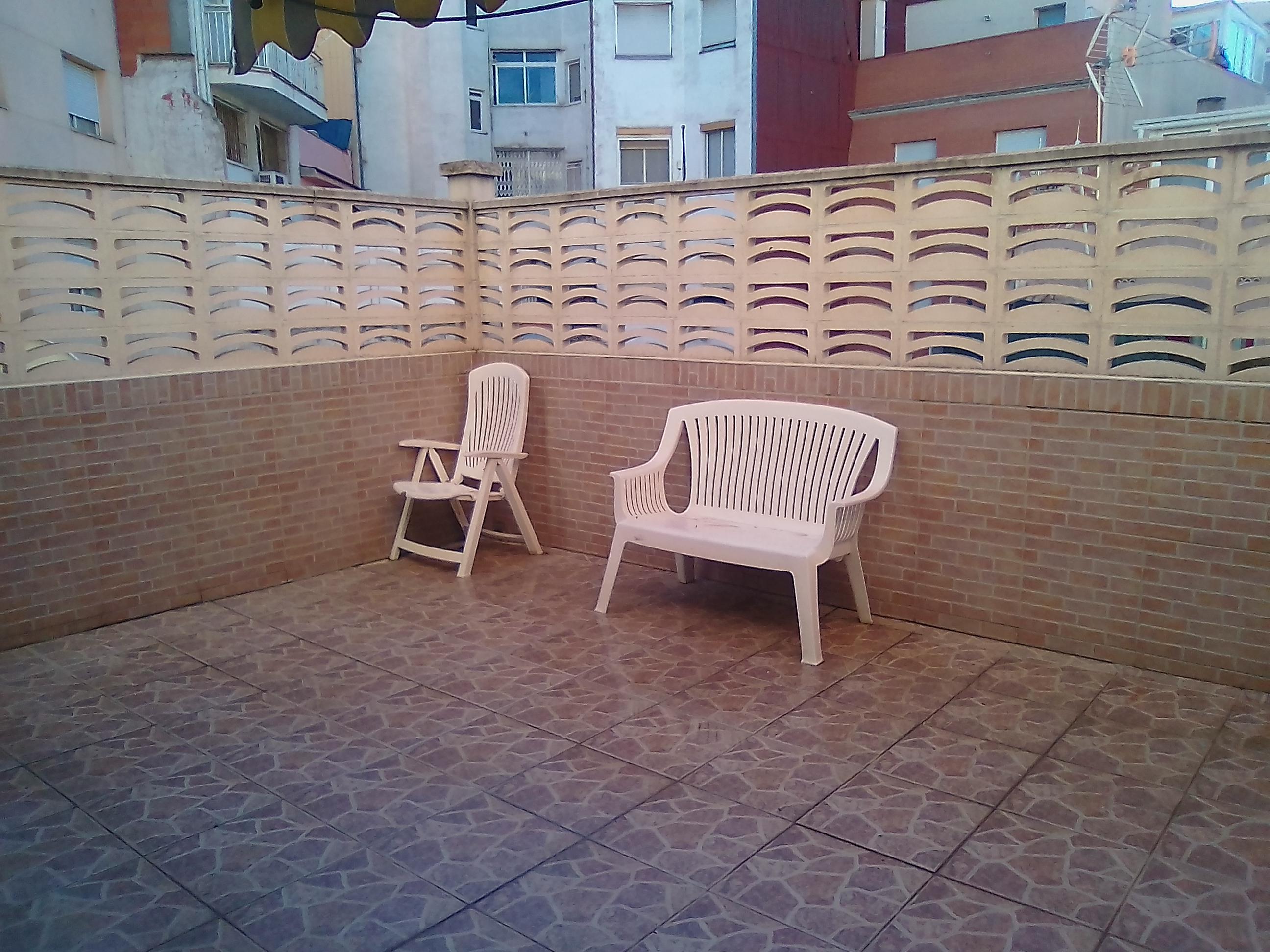 Imagen 1 Piso en venta en Santa Coloma De Gramenet / A 5 minutos del metro de Llefia-L10
