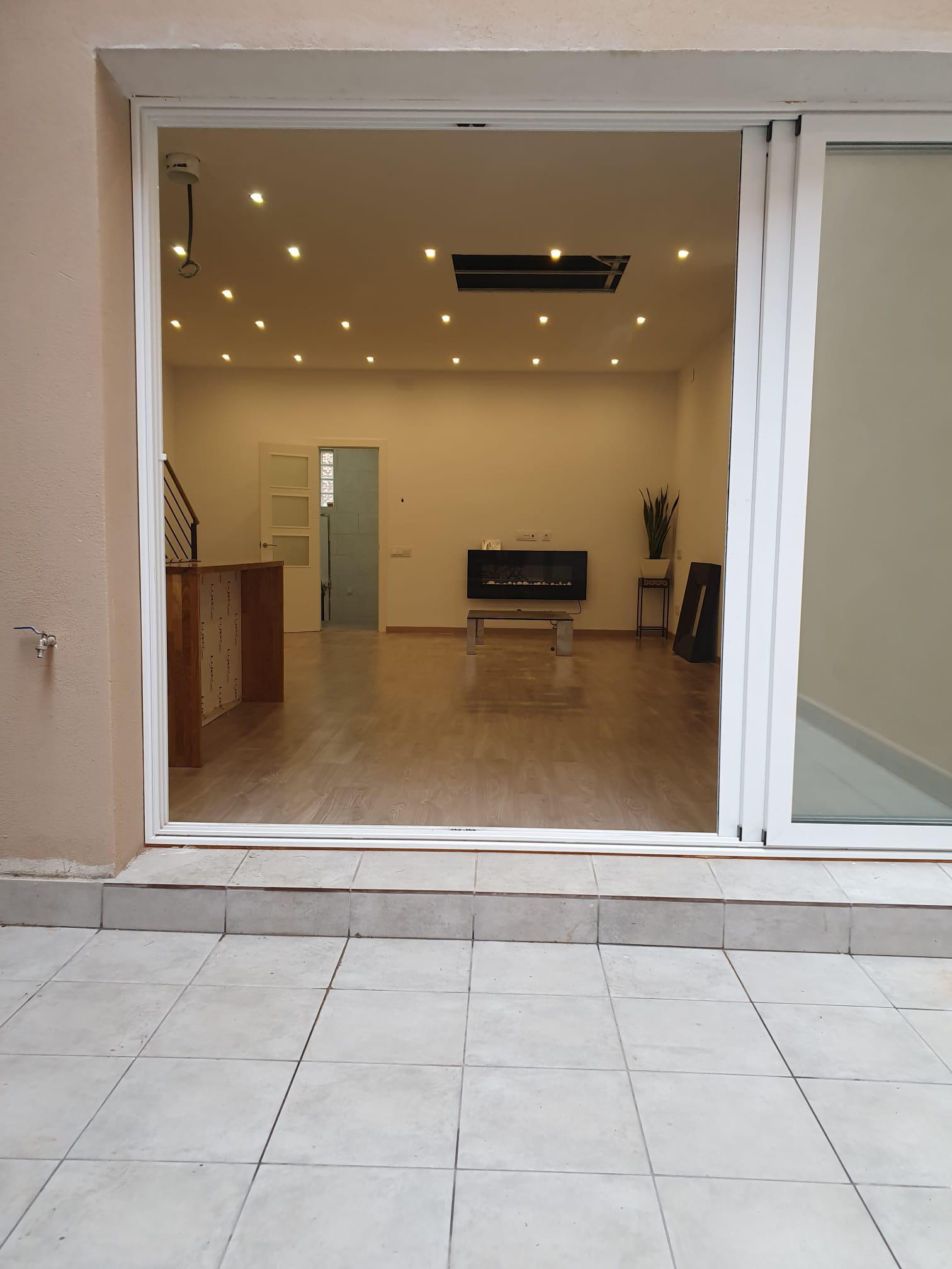 Imagen 3 Casa en venta en Sant Adrià De Besòs / A dos minutos de la L2  Artigues/St. Adrià