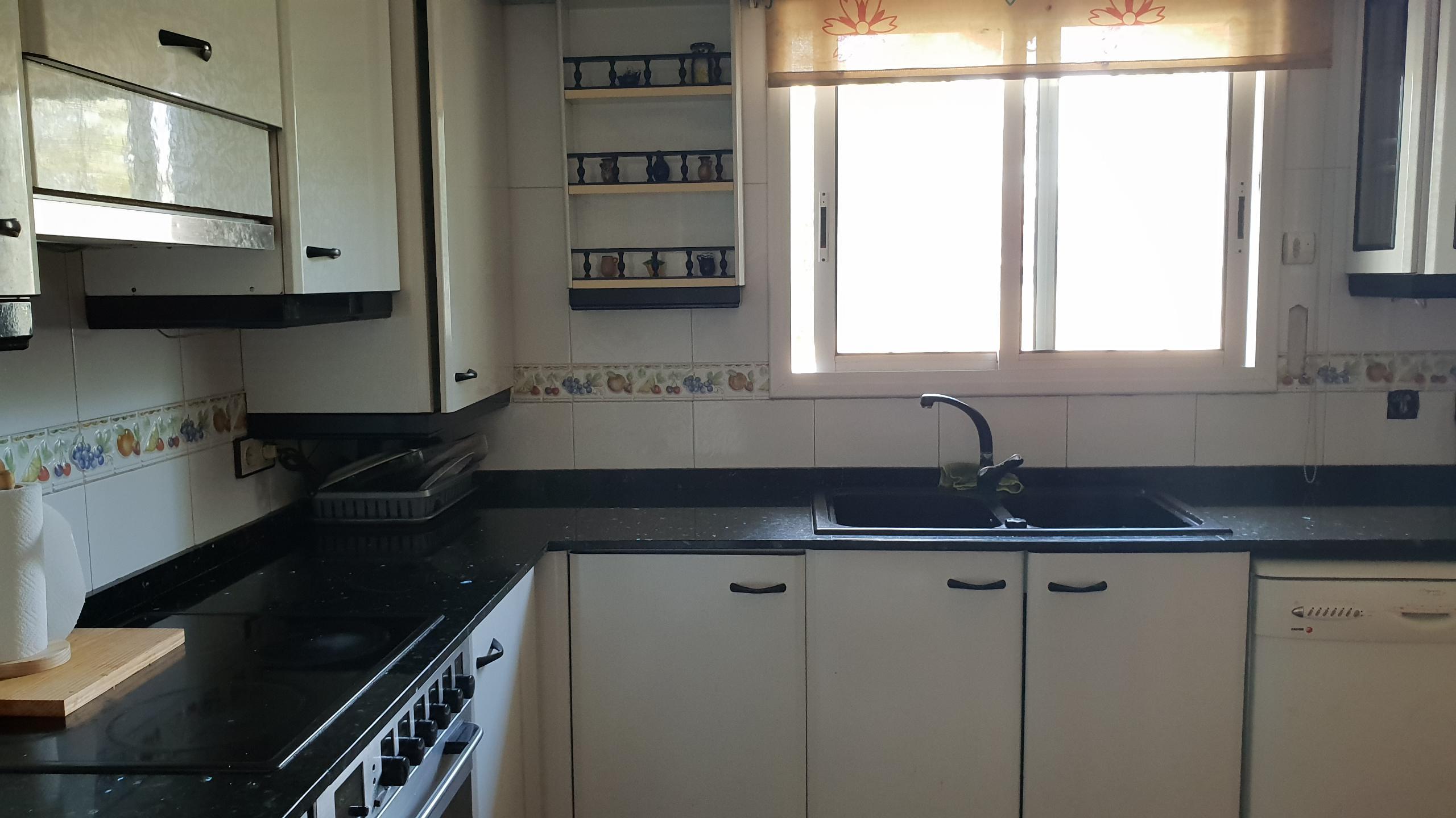Imagen 2 Casa Adosada en venta en Badalona / A un minuto del Cap de Bufalà