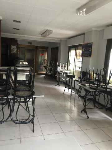 Imagen 1 Inmueble 213599 - Local Comercial en venta en Badalona / Esquina con Coll i Pujol