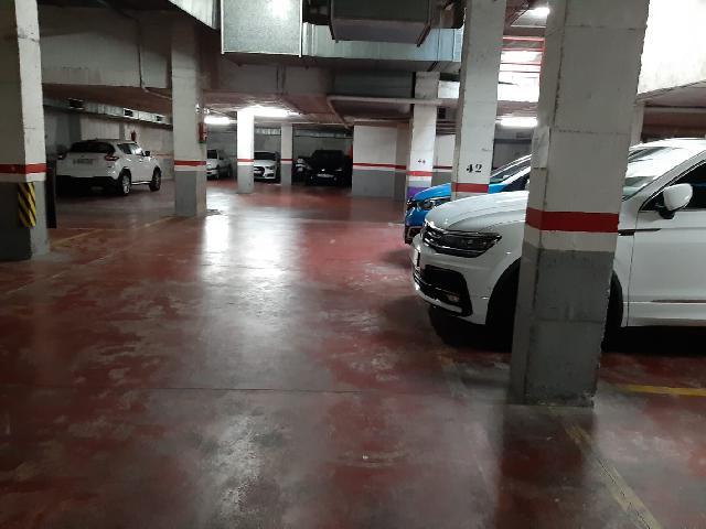 Imagen 1 Inmueble 221660 - Parking Coche en venta en Badalona / A dos minutos de Av.  President Companys