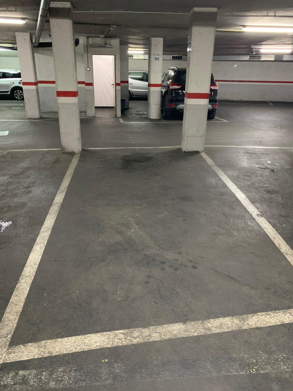 Imagen 3 Parking Coche en venta en Badalona / Tocando Av. Bufalà