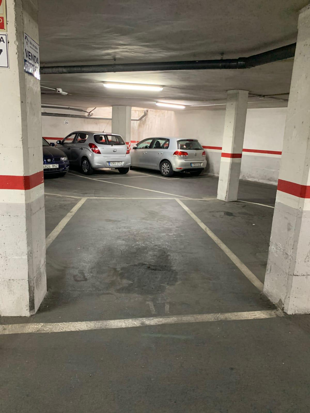 Imagen 1 Parking Coche en venta en Badalona / Tocando Av. Bufalà