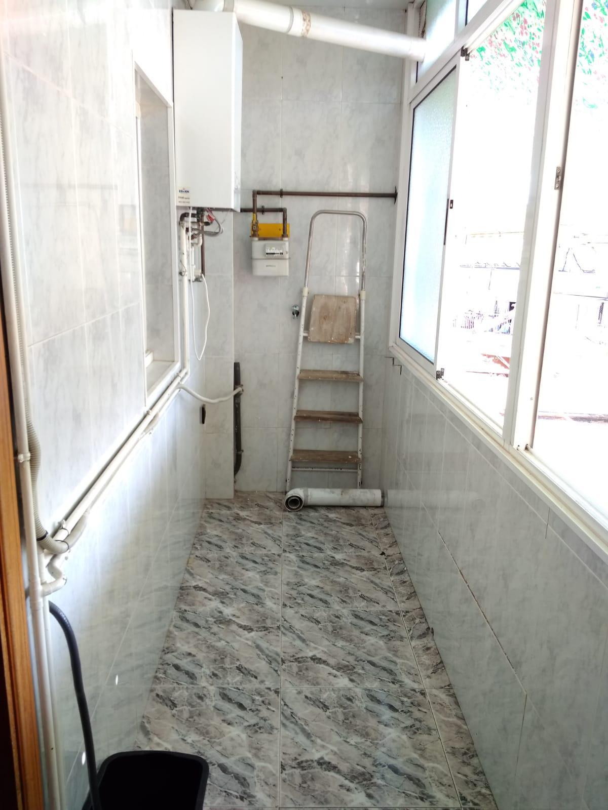 Imagen 2 Piso en venta en Badalona / Cerca del metro de la Salut