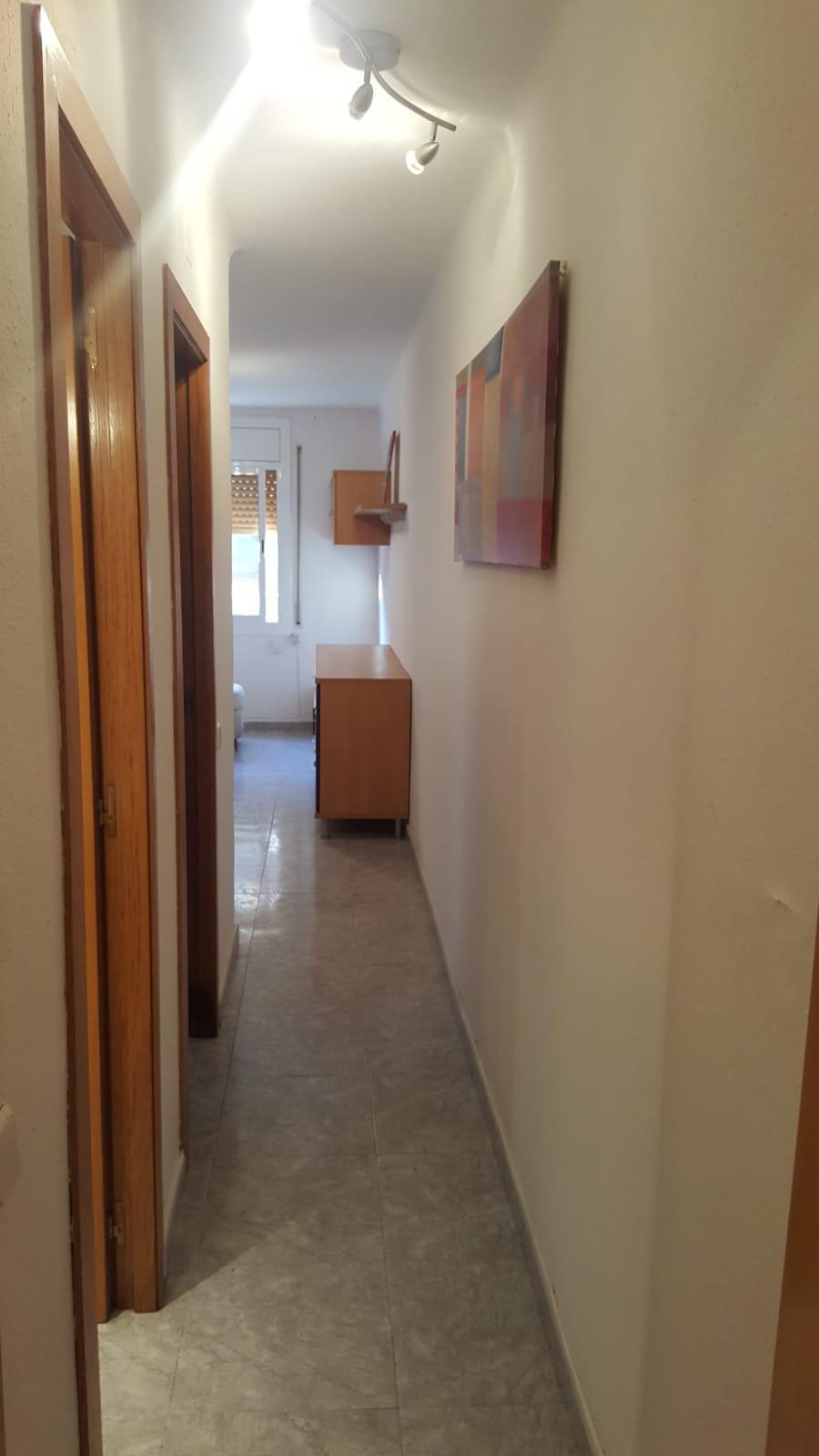 Imagen 3 Piso en venta en Badalona / A cinco minutos del metro de Fondo.