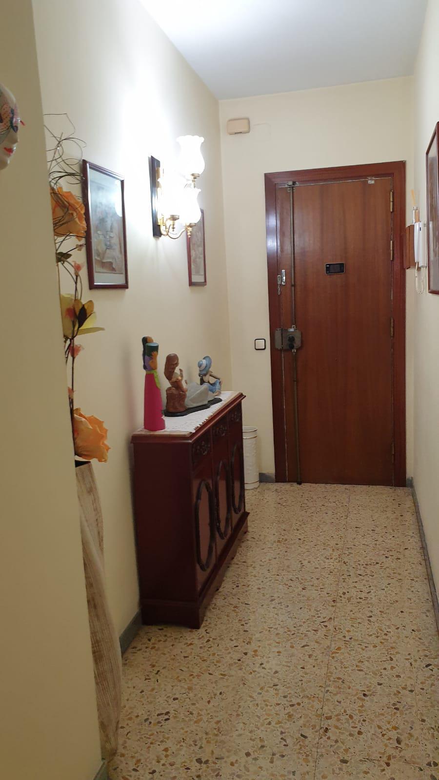 Imagen 4 Piso en venta en Badalona / A dos minutos de Av. Bufalà