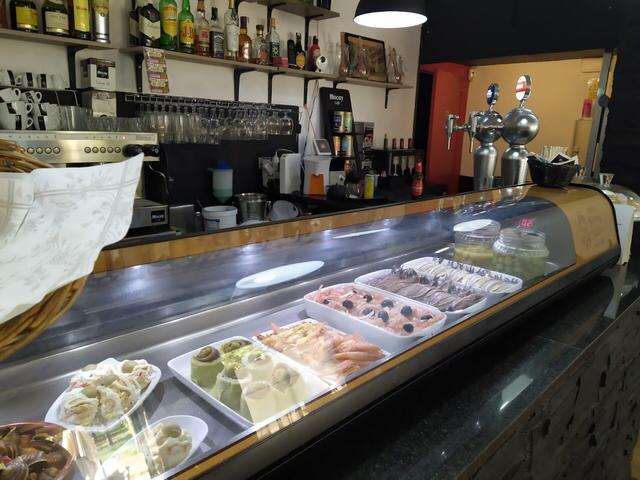 Imagen 1 Inmueble 244632 - Local Comercial en venta en Barcelona / Cercano a la autopista C31 y metro L1-El Clot.
