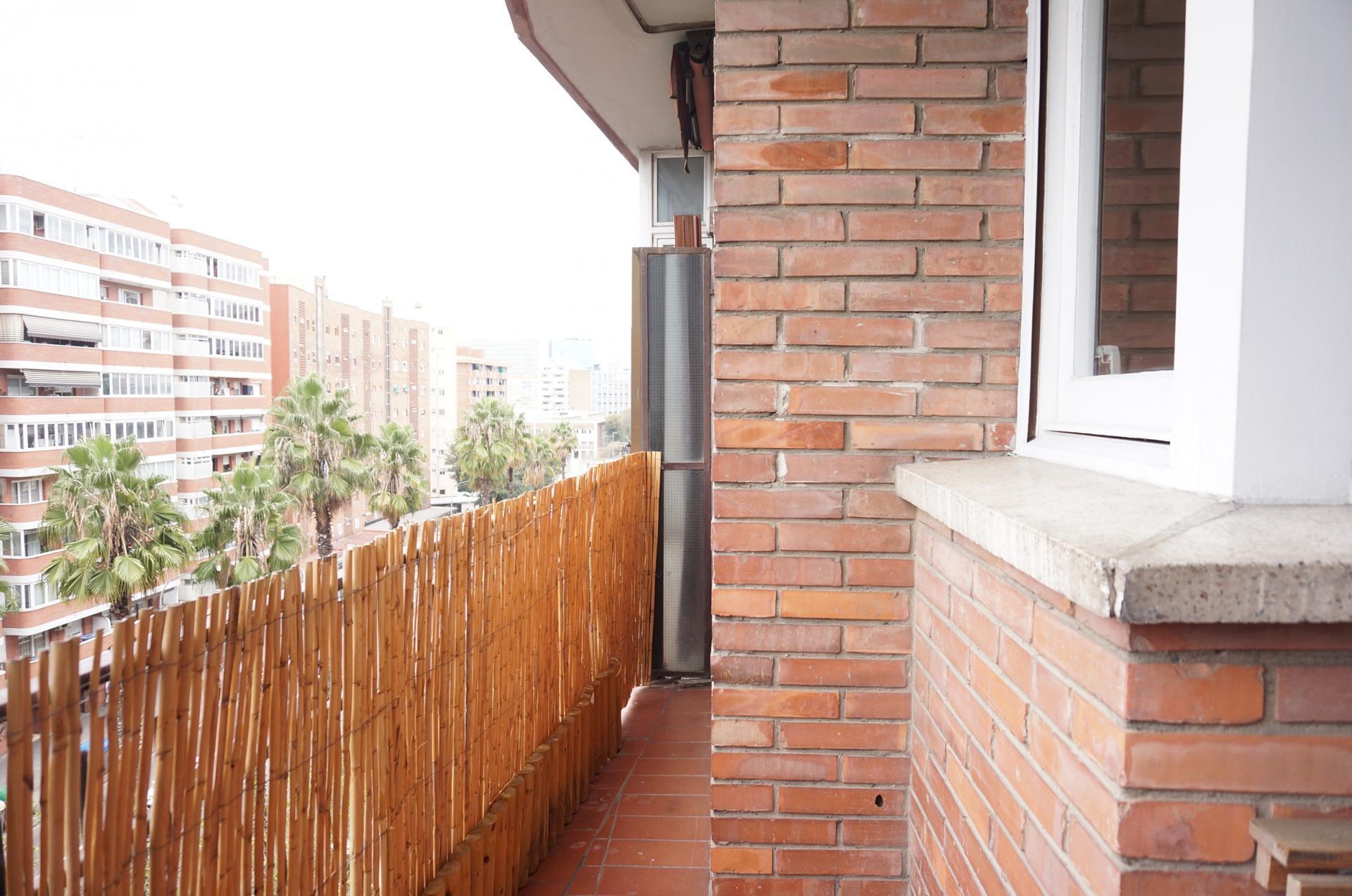 Imagen 2 Piso en venta en Barcelona / Junto metro L10 Foneria