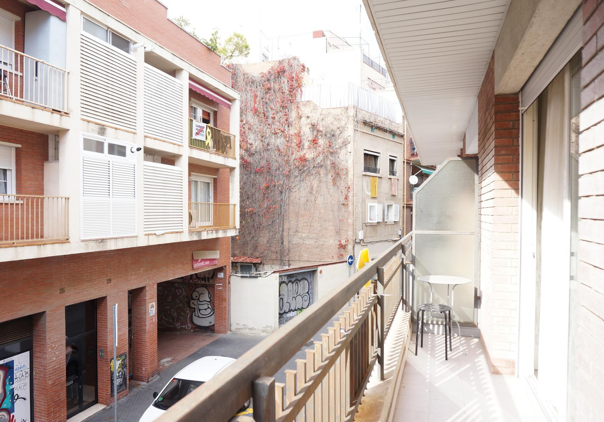 Imagen 1 Piso en venta en Barcelona / Rambla Badal junto metro Mercat Nou