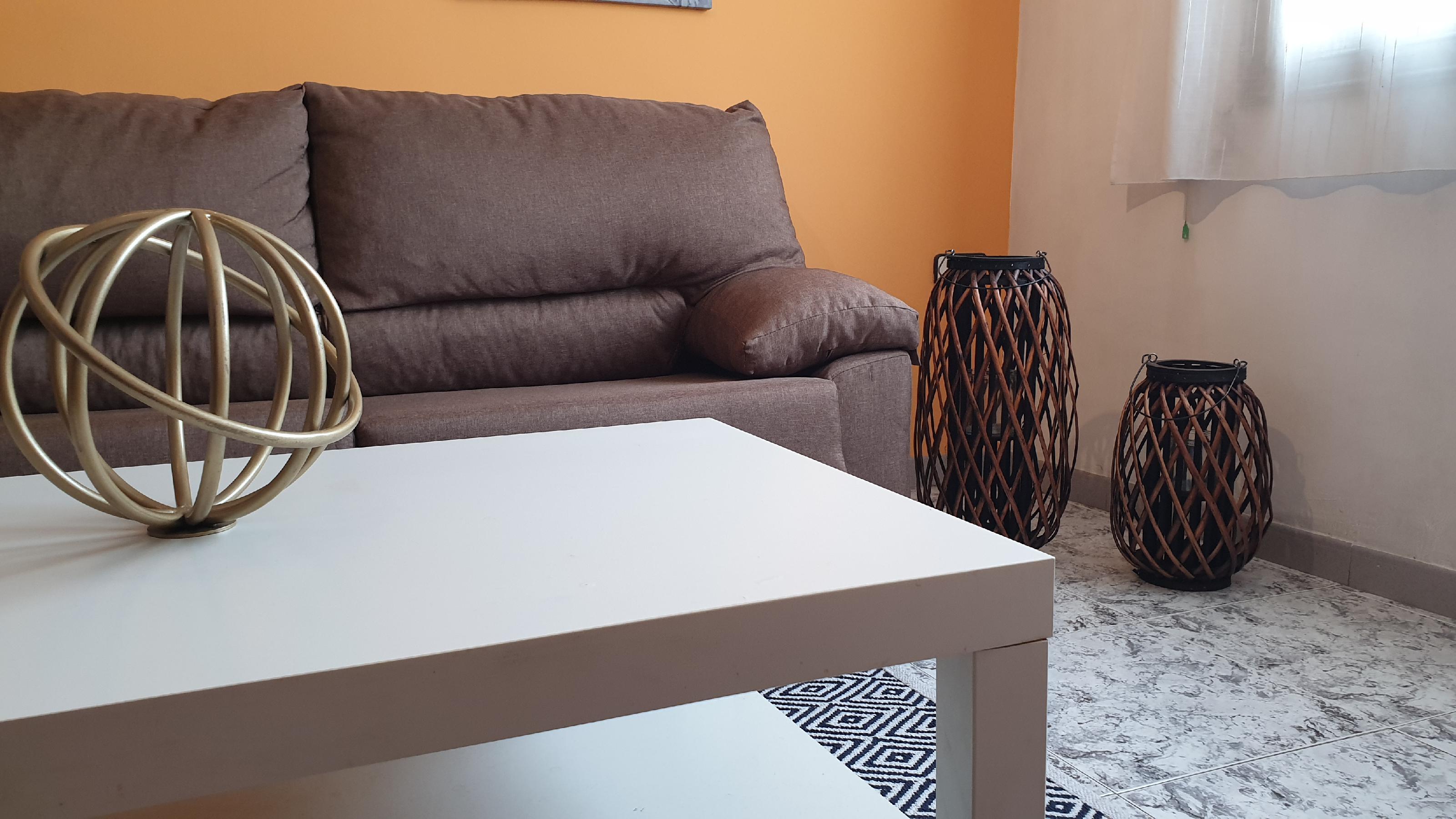 Imagen 3 Piso en venta en Hospitalet De Llobregat L´ / Pubilla Casas junto metro L-5 Can Vidalet